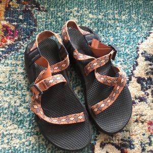 LIKE NEW CHACOS
